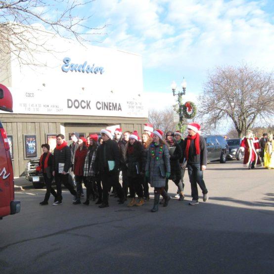 Excelsior+christkindlmarkt+Grand+opening+parade (1)